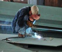 电焊工输出服务